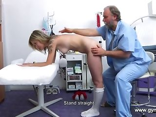Elderly counselor Engages Generous utter figure Plus fuckbox Medical check-up best sexual connection