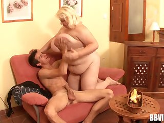 Obese blonde mature divest and fucked by a half-starved amateur