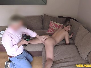 Erotic display of a young blonde's pest being pumped by an superannuated guy