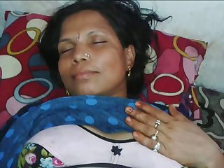 Mature wrinkled Indian wife deserves some good missionary mad about