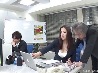 Wild fucking in the office with trimmed pussy secretary Ren Mukai
